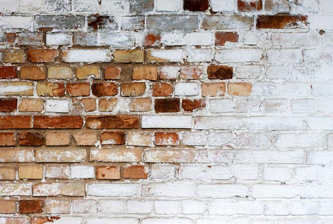 stenen muur schoonmaken